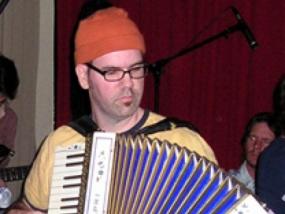 rob-accordian