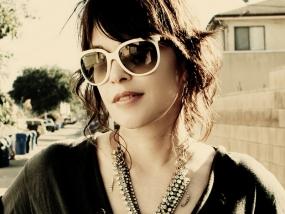 white_sunglasses