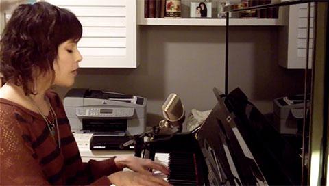 Breezeblocks (acoustic home video 2014; song by alt-J)